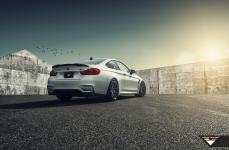 BMW F82 M4 на дисках Vorsteiner V-FF 106