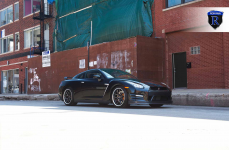 Nissan GTR на дисках Rohana RС9