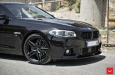 BMW 5 (F10, F11) на дисках VOSSEN HF-1