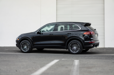 Porsche Cayenne на дисках Victor Equipment Wurttemburg