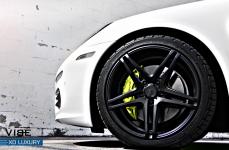 Porsche Panamera S на дисках XO Luxury Caracas