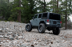 Jeep JK на дисках Black Rhino Tanay