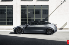 Tesla Model 3 на дисках VOSSEN HF-2