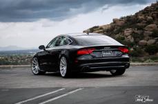 Audi A7 на дисках Niche Essen