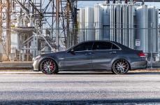 Mercedes-Benz E63 AMG на дисках Niche Intake