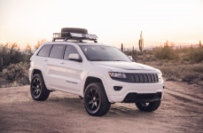 Jeep Grand Cherokee на дисках Black Rhino Mozambique