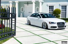 Audi S4 на дисках Rotiform SPF