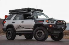 Toyota 4Runner на дисках Black Rhino Odessa 17