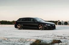 Audi A4 Avant на дисках Rotiform TMB