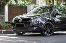 Volkswagen Golf TSI на дисках Rotiform BLQ R18