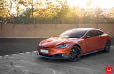 Tesla Model S на дисках VOSSEN HF-2