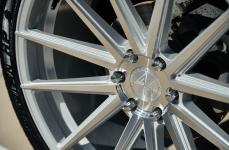 Cadillac Escalade на дисках Ferrada FT1 Machine Silver