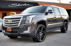 Cadillac Escalade на дисках STATUS TITAN