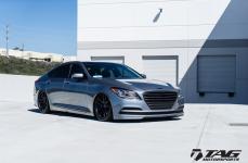 Hyundai Gensis на дисках Rotiform SPF