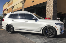 BMW X7 на дисках XO LUXURY MADRID