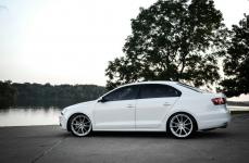 Volkswagen Jetta на дисках TSW Bathurst