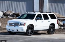 Chevrolet Tahoe на дисках DUB Skillz