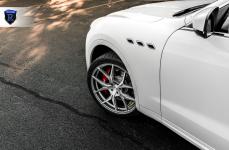 Maserati Levante на дисках Rohana RFX5 Brushed Titanium