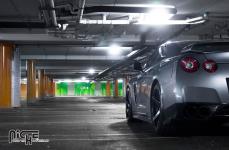 Nissan GT-R на дисках Niche GT-5