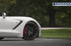 Chevrolet Stingray на дисках Rohana RC26