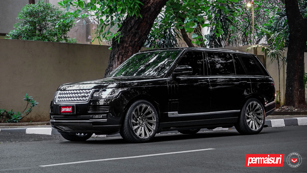 Land Rover Range Rover на дисках Urban Automotive x Vossen UV-3