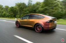 Tesla Model X на дисках VOSSEN FORGED CG-203