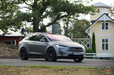 Tesla Model X на дисках VOSSEN FORGED CG-205