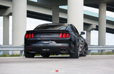Ford Mustang GT на дисках Vossen Forged VPS-302