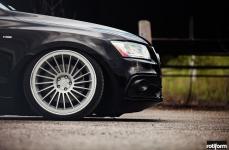 Audi Q5 на дисках Rotiform INDT