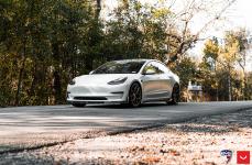 Tesla Model 3 на дисках VOSSEN HF-5