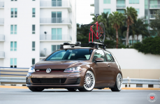 Volkswagen Golf VII �� ������ VOSSEN FORGED LC 106T