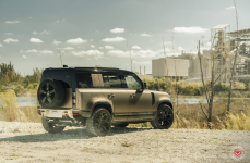 Land Rover Defender на дисках Urban Automotive x Vossen UV-4