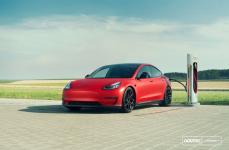 Tesla Model 3 на дисках VOSSEN FORGED NV2