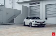 Honda Accord на дисках VOSSEN CV10