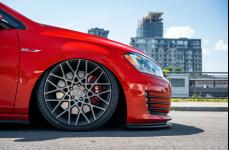 VW GTI на дисках Rotiform BLQ
