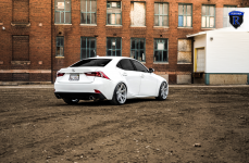 Lexus IS250 на дисках Rohana RC7 Machine Silver