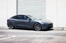 Tesla Model 3 на дисках TSW Chicane